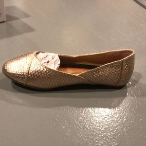Shoes - Rose gold flats